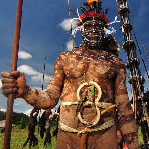 Tinuku Travel Baliem Valley Cultural Festival presents the art of war and beautiful panorama Papua mountains landscape