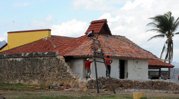 Fuerte La Punta, insigne instalación del patrimonio de Baracoa recibe los últimos toques en el restablecimiento de su techo