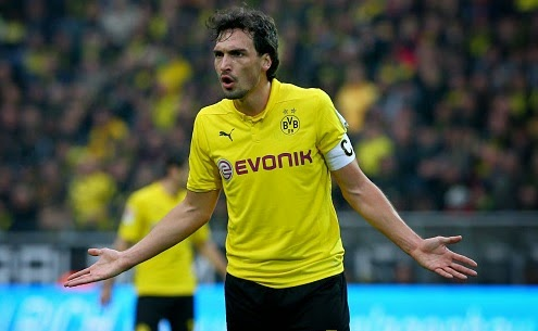 Manchester United set to offer £35million for Mats Hummels