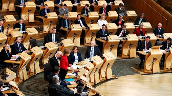 Scottish parliament backs new independence referendum