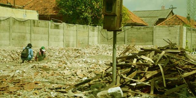 Foto-2 hacnurnya bangunan Radio Bung Tomo