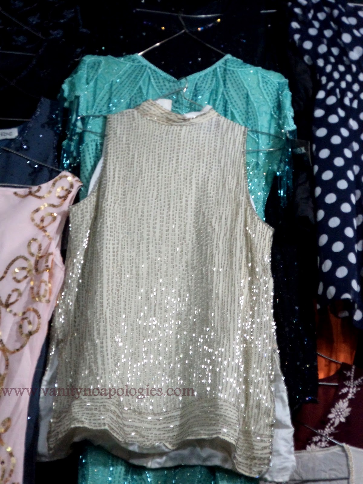 fe57c917562 A Complete Low Down On Thrift Shopping - Sarojini Nagar Market and ...