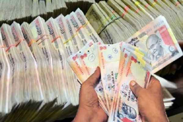 BREAKIGN NEWS, ED ने चार सर्राफा व्यापारियों के यहाँ छापा मारा, 69 करोड़ रुपये किये जब्त