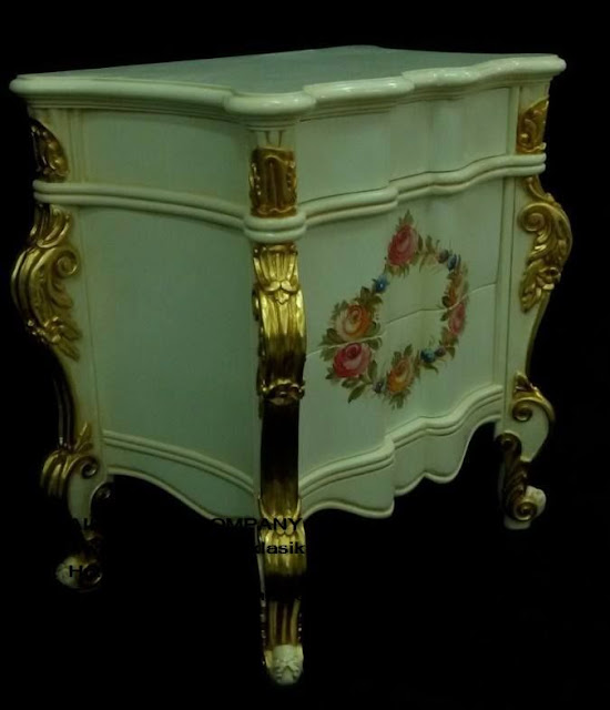 kabinet duco jepara,kabinet duco vintage,kabinet duco french style,furniture mebel jepara,toko mebel jati klasik,furniture Jati Klasik duco mewah,code A1027