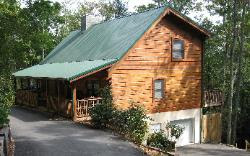 Blowing Rock Alpine Escape - Pet Friendly and Kid friendly contemporary cabin rental