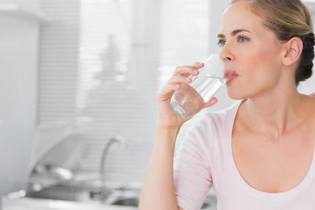 الماء والمشروبات وكيف تحصل على أقصى استفادة منهم Water and beverages