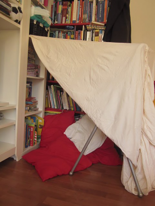 Bedwelming Hut bouwen - binnenactiviteit voor een regenachtige dag - MizFlurry #WR06