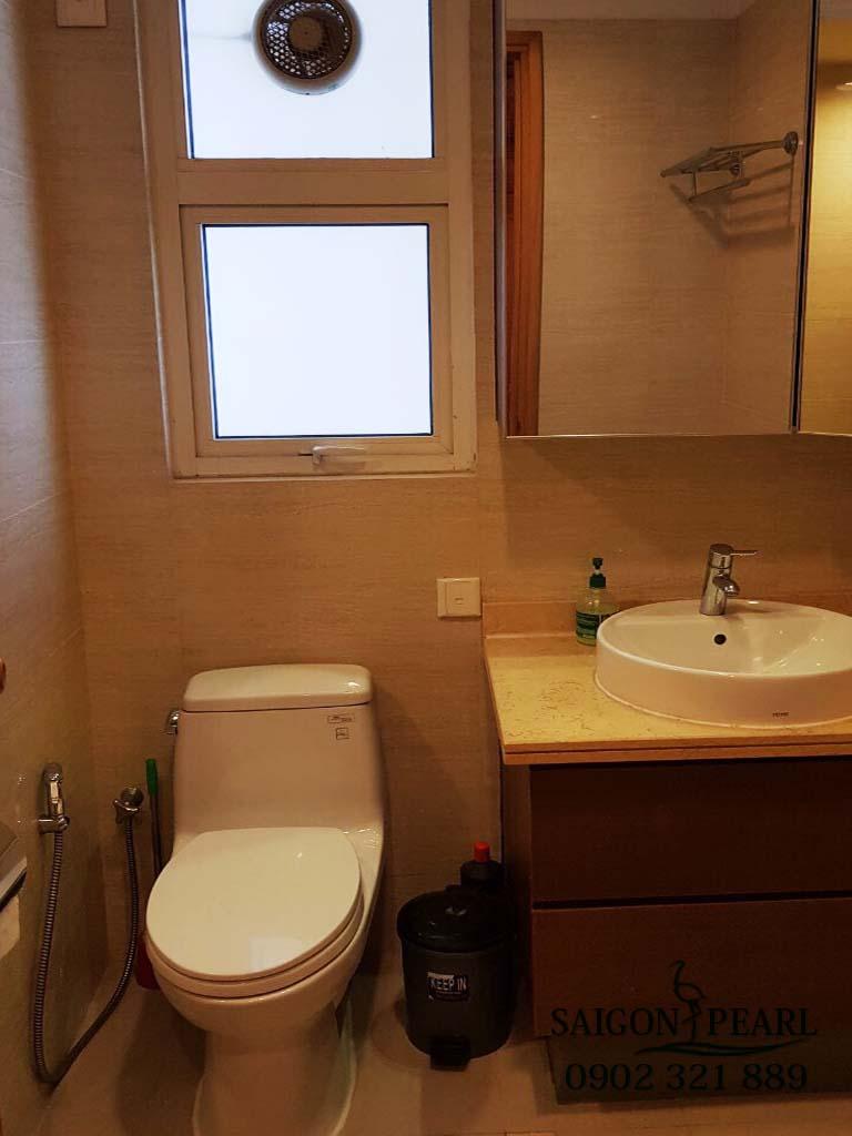 Căn hộ 2 phòng ngủ cao cấp Saigon Pearl cho thuê - phòng vệ sinh