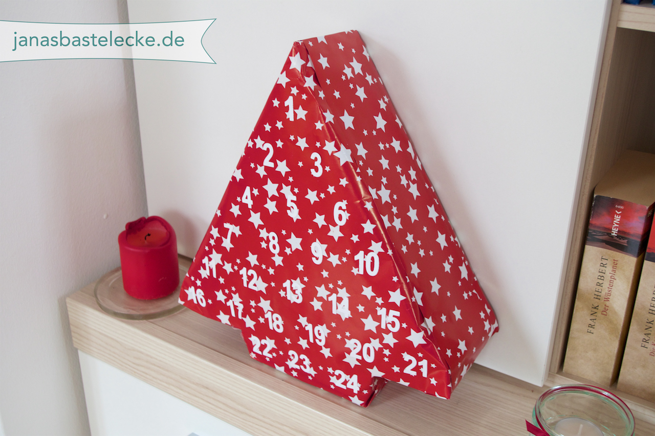 janasbastelecke kreativer montag 86 adventskalender aus klopapierrollen. Black Bedroom Furniture Sets. Home Design Ideas