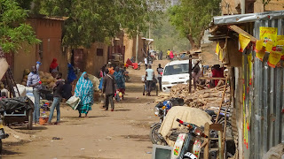 Typical scenery in the alleys of Niamey