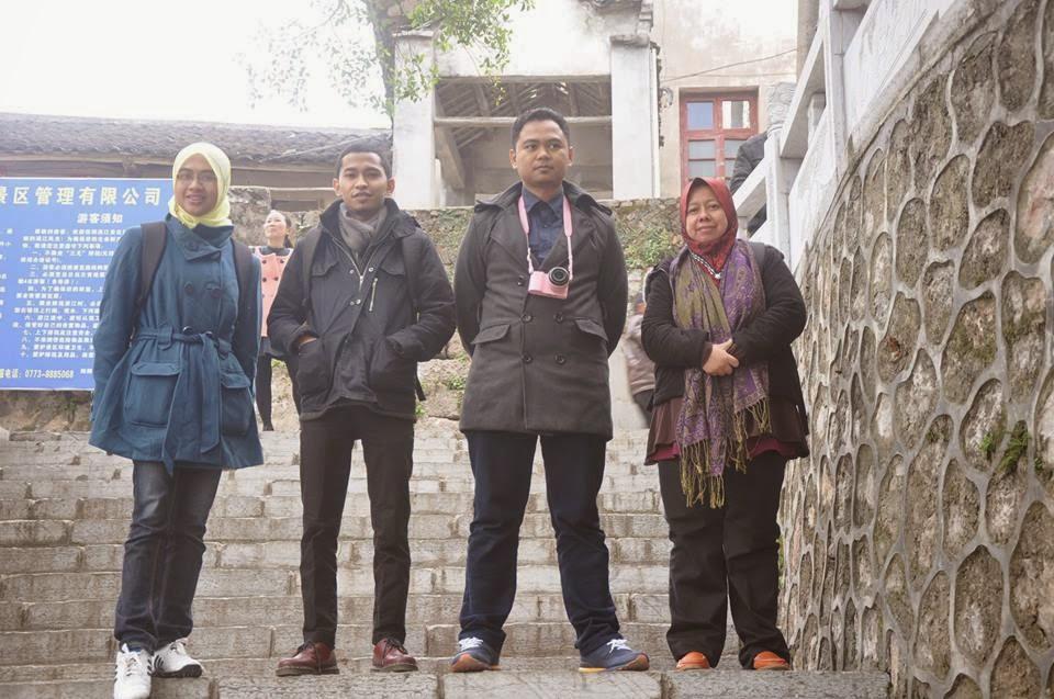 dari kiri : Cik Hana, EnFaiq, Dr Nik, Cik Jamaah, adkdayah