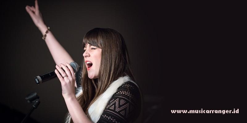 Cara memperindah nyanyian tanpa les vokal