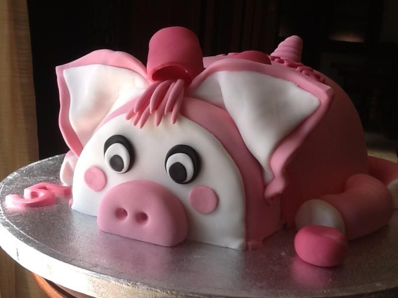 Ảnh bánh sinh nhật hình con heo đáng yêu nhất
