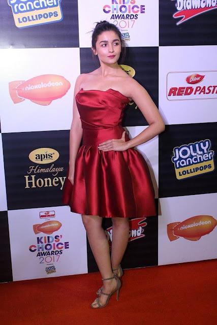 Alia Bhatt at Orange Carpet Of Kids Choice Award 2017