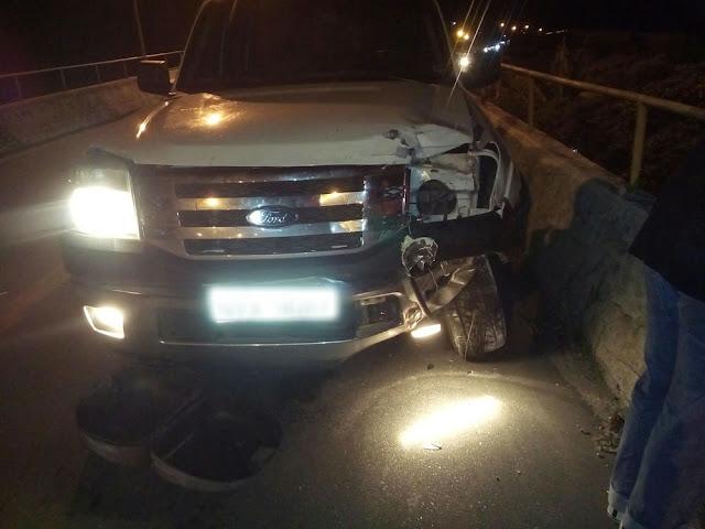 Motociclista é arremessado de viaduto em acidente em Pindamonhangaba