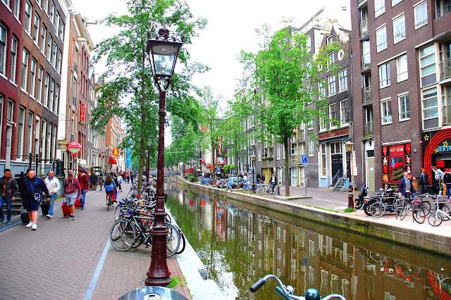 centrum miasta co warto zobaczyć w Amsterdamie?