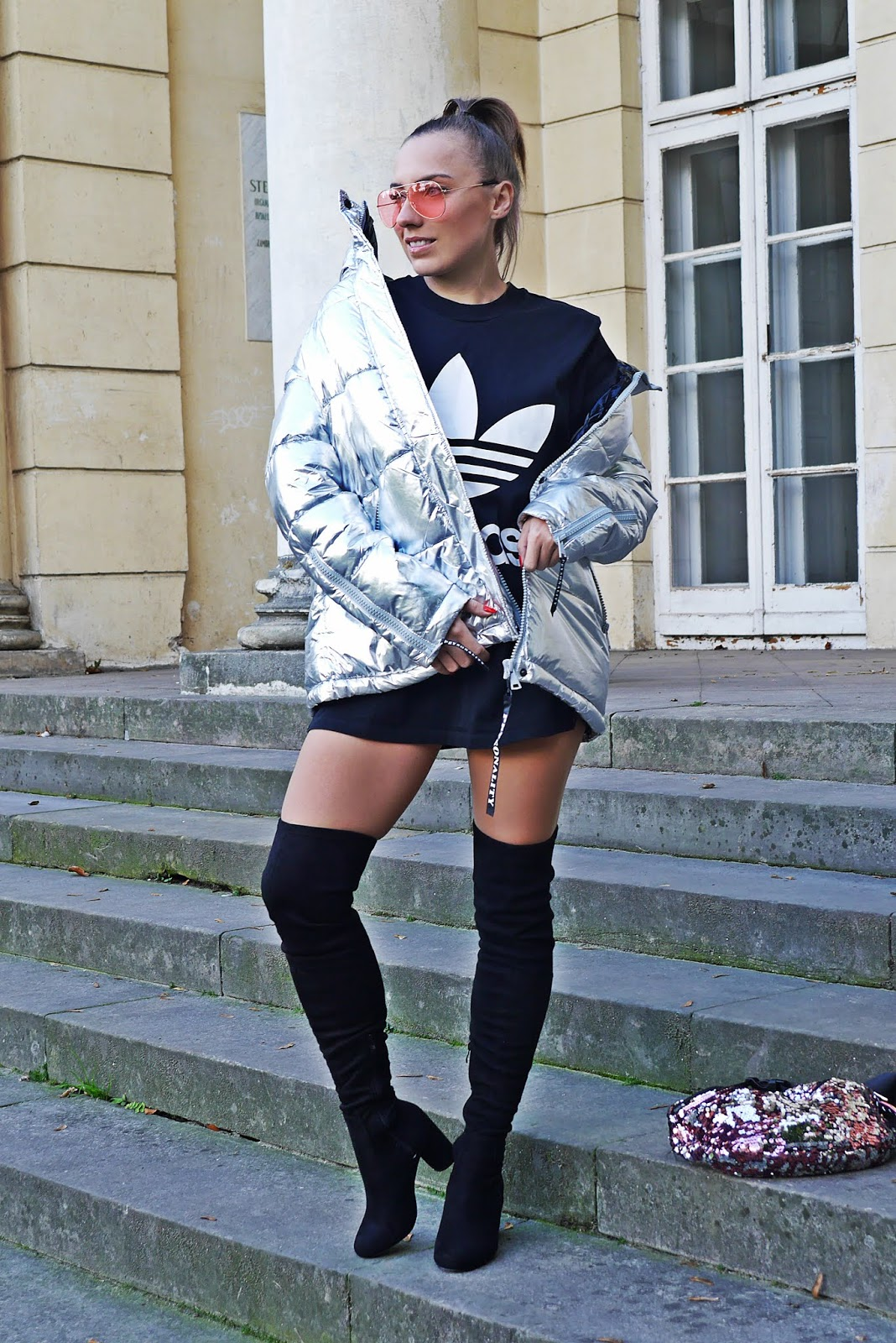 Silver puffy jacket adidas t-shirt  karyn blog modowy