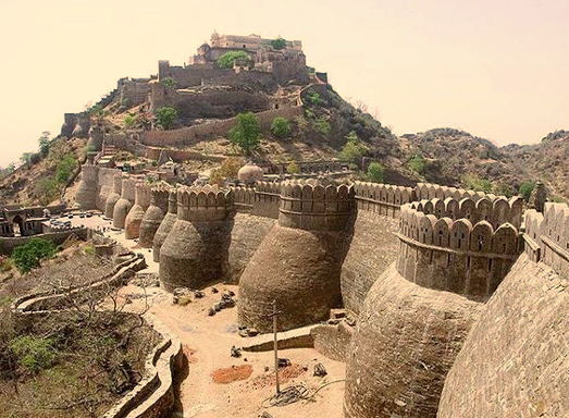 36 kms long walled Kumbhalgarh Fort
