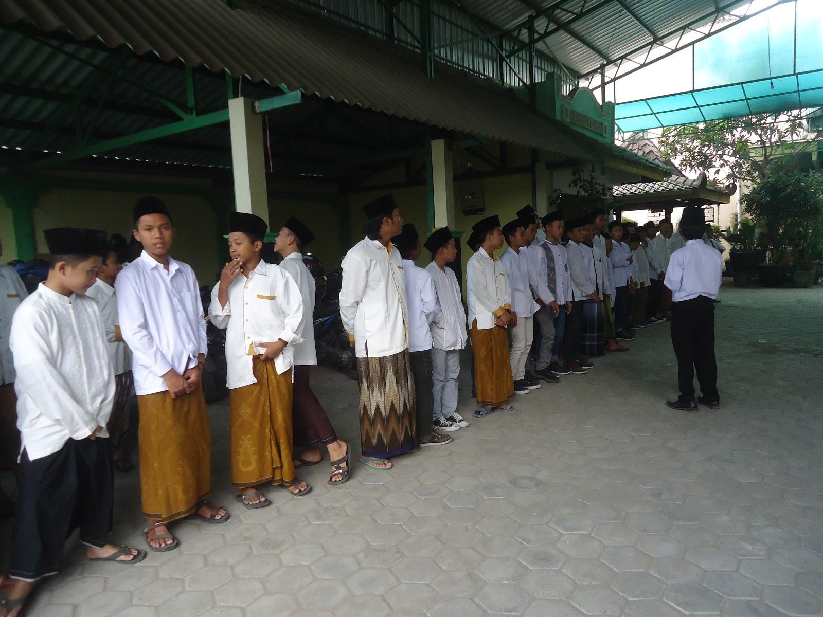 Image result for santri Yayasan Pondok Pesantren (YPP) Al-Ikhlas
