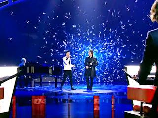 Raphael y Mario cantan Aunque A Veces Duela lavoz final