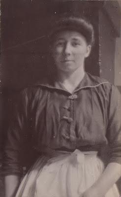Claudine Hénaff en 1915