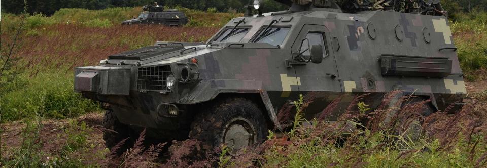 ЛБТЗ отримав підряд на ремонт Дозорів і танків Т-64, Т-72