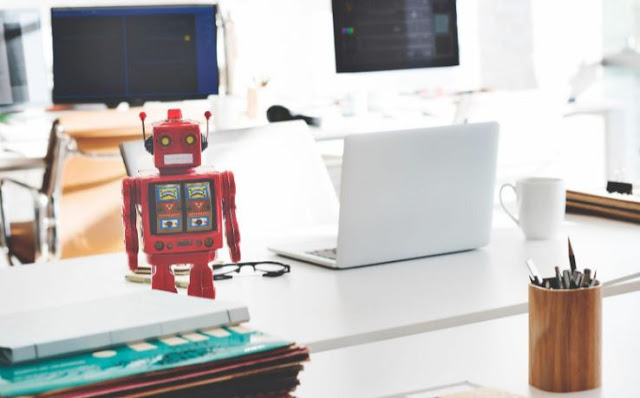 ways educators use AI to improve learning experiences artificial intelligence machine learning applications