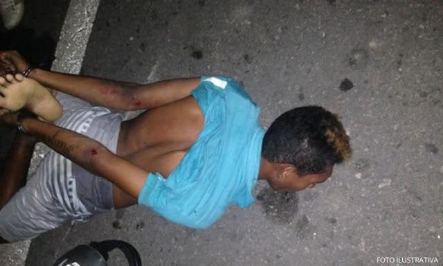 Desconhecido invade residência esfaqueia mulher e é linchado por populares