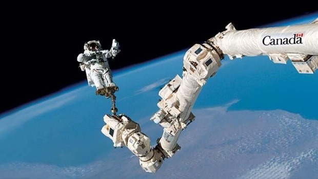 Canadarm2, Iss, Astronout