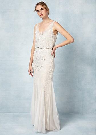 12a56bbc5 Caylin es un vestido de novia cuyo encaje lo hace elegantísimo. Es ideal  tanto para bodas urbanas como campestres. Cuesta 381 euros y lo podéis  comprar ...