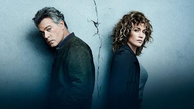 Foto posada de Ray Liotta e Jennifer Lopez - Divulgação: Canal Universal