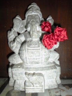 Image of Flowers offered to Shri Ganesh Murti