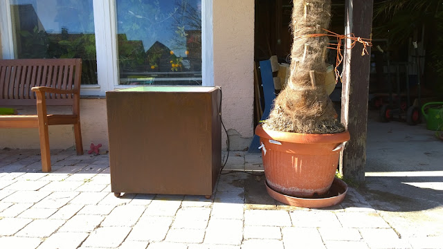 der alte und der neue Palmenkübel (c) by Joachim Wenk