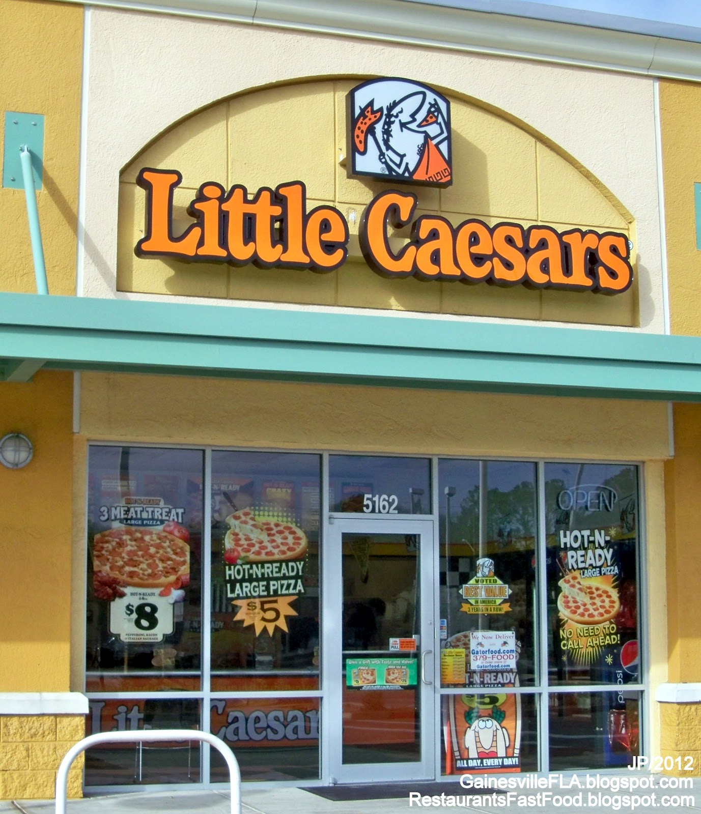 Founded in , Little Caesars Pizza is a family-owned and operated chain of restaurants that supplies pizzas to clients throughout the United States. The chain s restaurants serve vegetarian, deep-dish and supreme pizzas. Its restaurants offer a variety of pizza toppings, such as onions, mushrooms, green olives and banana pepper rings.5/10(47).