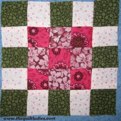 Simple Nine Patch Quilt Pattern with Patchwork border