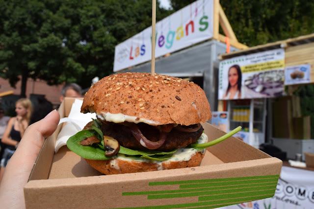 vegan burger, budapest