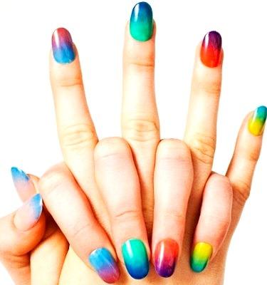 Foto de diseños de uñas juvenil y colorido