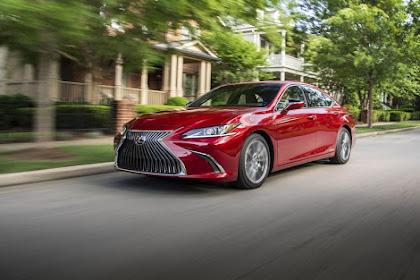 Lexus 2019 ES 300h Review, Specs, Price