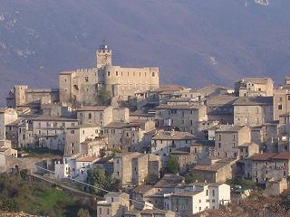 Capestrano commands a hilltop location in Abruzzo