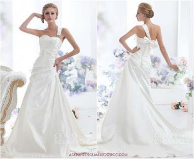 Andrea Tiffany aglimpseofglam Cocomelody backless wedding dress