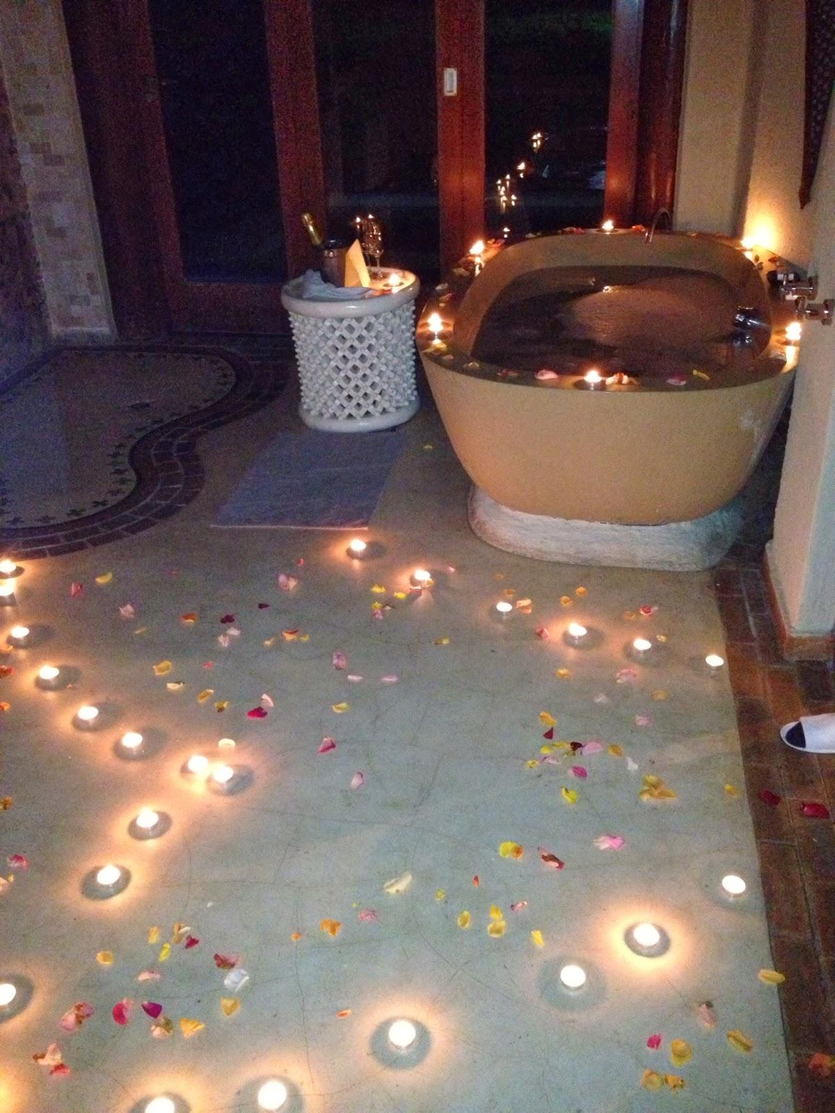 Sabi Sands - A bath drawn and candles everywhere in the bathroom