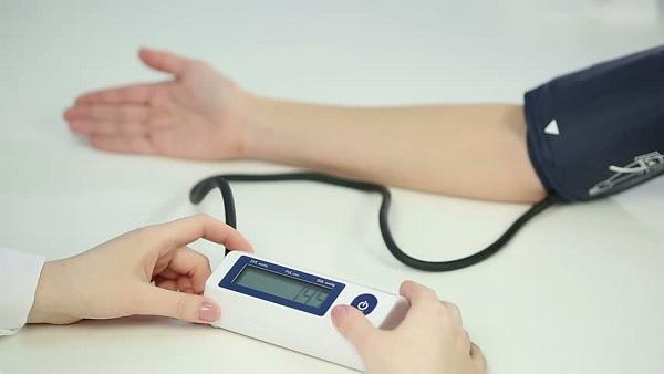 Inilah 7 Cara Alami Atasi Tekanan Darah Rendah yang Efektif