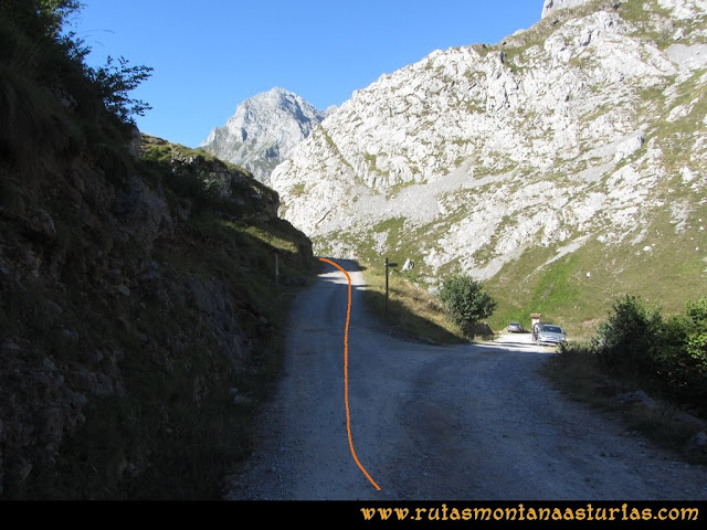 Ruta Peña Castil y Cueva del Hielo: Desvío pista Áliva