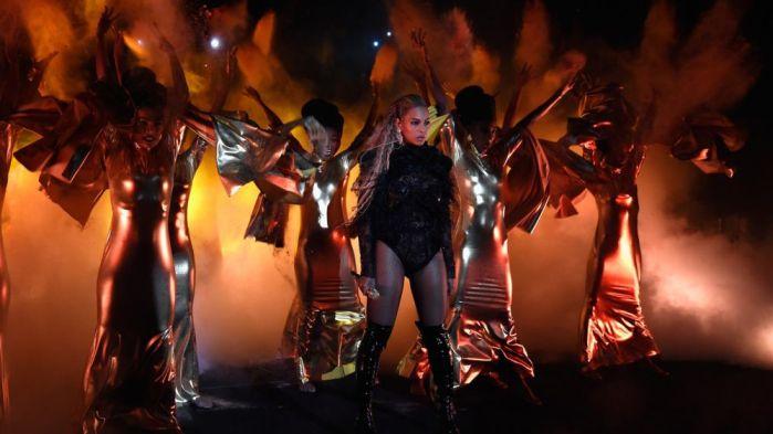 MTV VMA 2016 - Kemenangan besar Beyonce, Lagu medley Rihanna sampai Single Terbaru Ariana