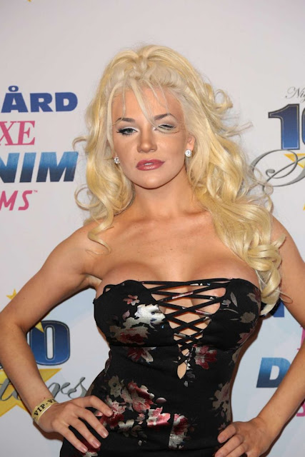 Courtney Stodden – 27th Annual Night Of 100 Stars Black Tie Dinner