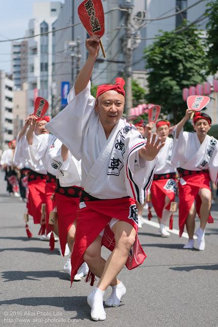 マロニエ祭りで浅草雷連の男踊りの踊り手の一人を撮影した写真 その4