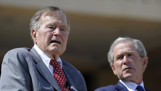 """Los Bush: Trump es un """"fanfarrón"""" que aviva la ira del pueblo"""