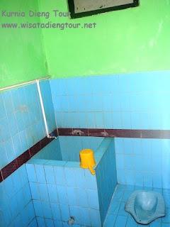kamar mandi hotel dewi wonosobo