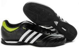 jual sepatu futsal adidas terbaru,