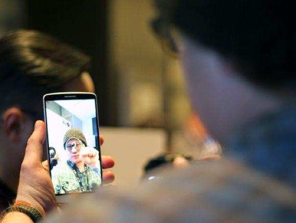 Reconhecimento de gestos facilita na hora de fazer uma selfie